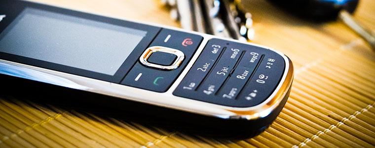 jak vybrat mobil pro seniory