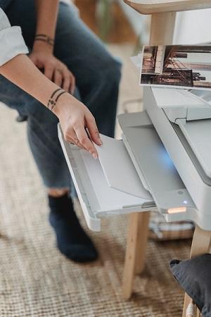 zásobník na papír
